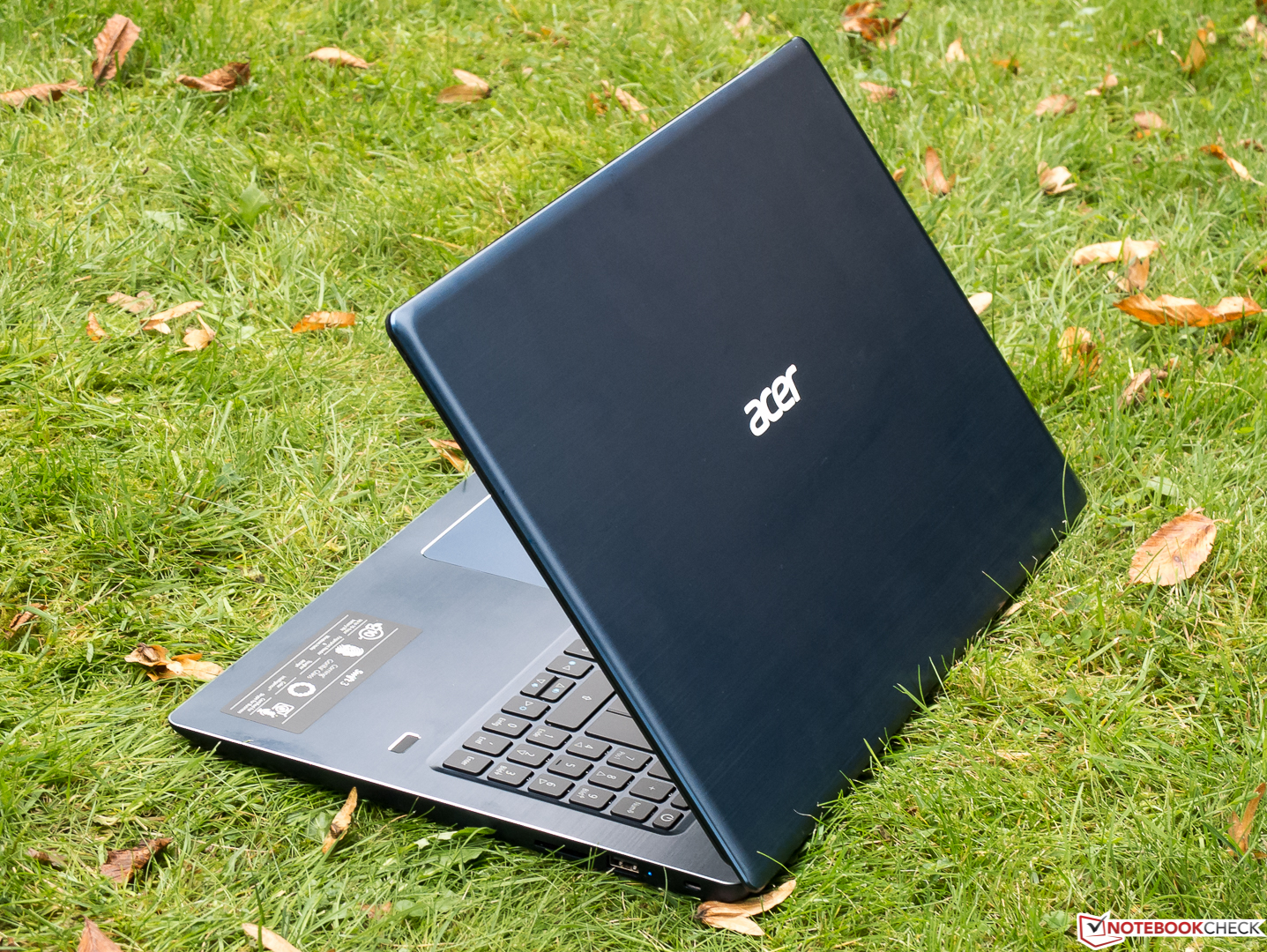 Test: Acer Swift 3 SF315 (i5-7200U, GeForce MX150) Laptop (Sammanfattning) - Notebookcheck.se
