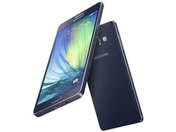 In Review: Samsung Galaxy A7. Review sample courtesy of cyberport.de