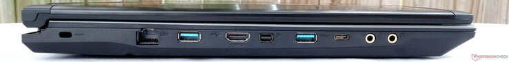Right: Kensington lock, ethernet, USB 3.0, HDMI 1.4, DisplayPort 1.2, USB 3.0, USB 3.1 (Gen 1) Type-C, microphone out, S/PDIF HiFi DAC